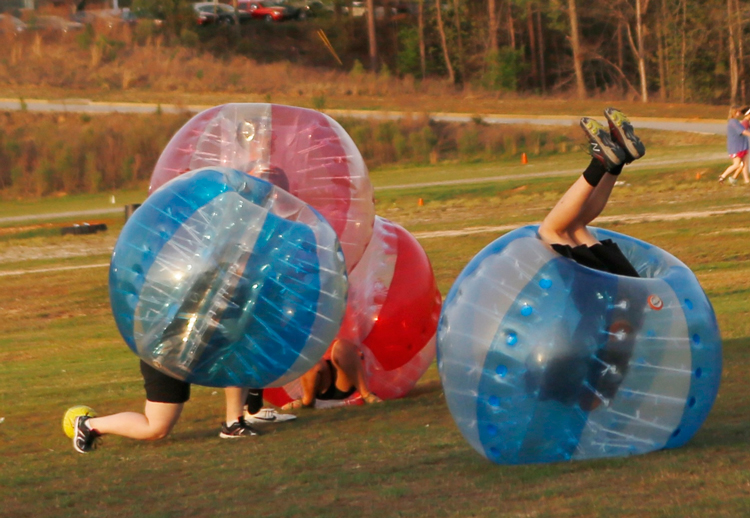 CIU students play Bubble-Ball.