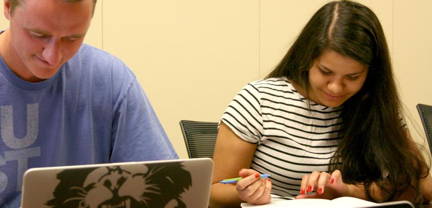 CIU students applying for financial aid.